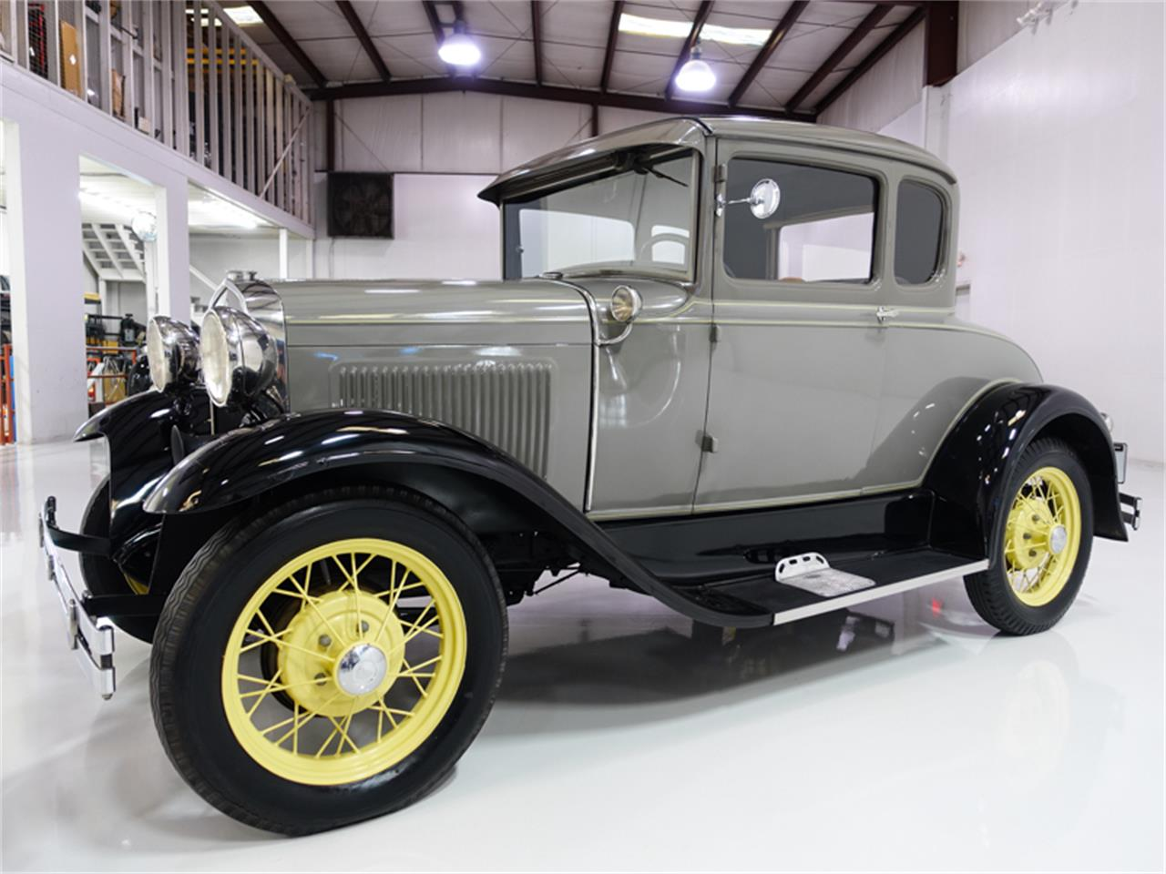 1931 ford model a with rumble seat clipart