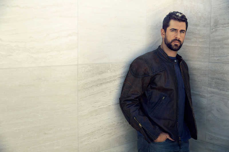 Aaron Rodgers Goes Deep: An Exclusive Interview | Artful Living banner library