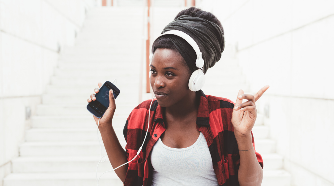 African american listening to music clipart clip free 20 Must-Listen to Black Women Podcasts for 2019 - Black Enterprise clip free