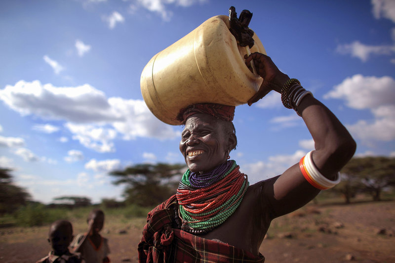 African women carrying water clipart image library download Study: 13.5 Million Women In Sub-Saharan Africa Take Long Walk For ... image library download