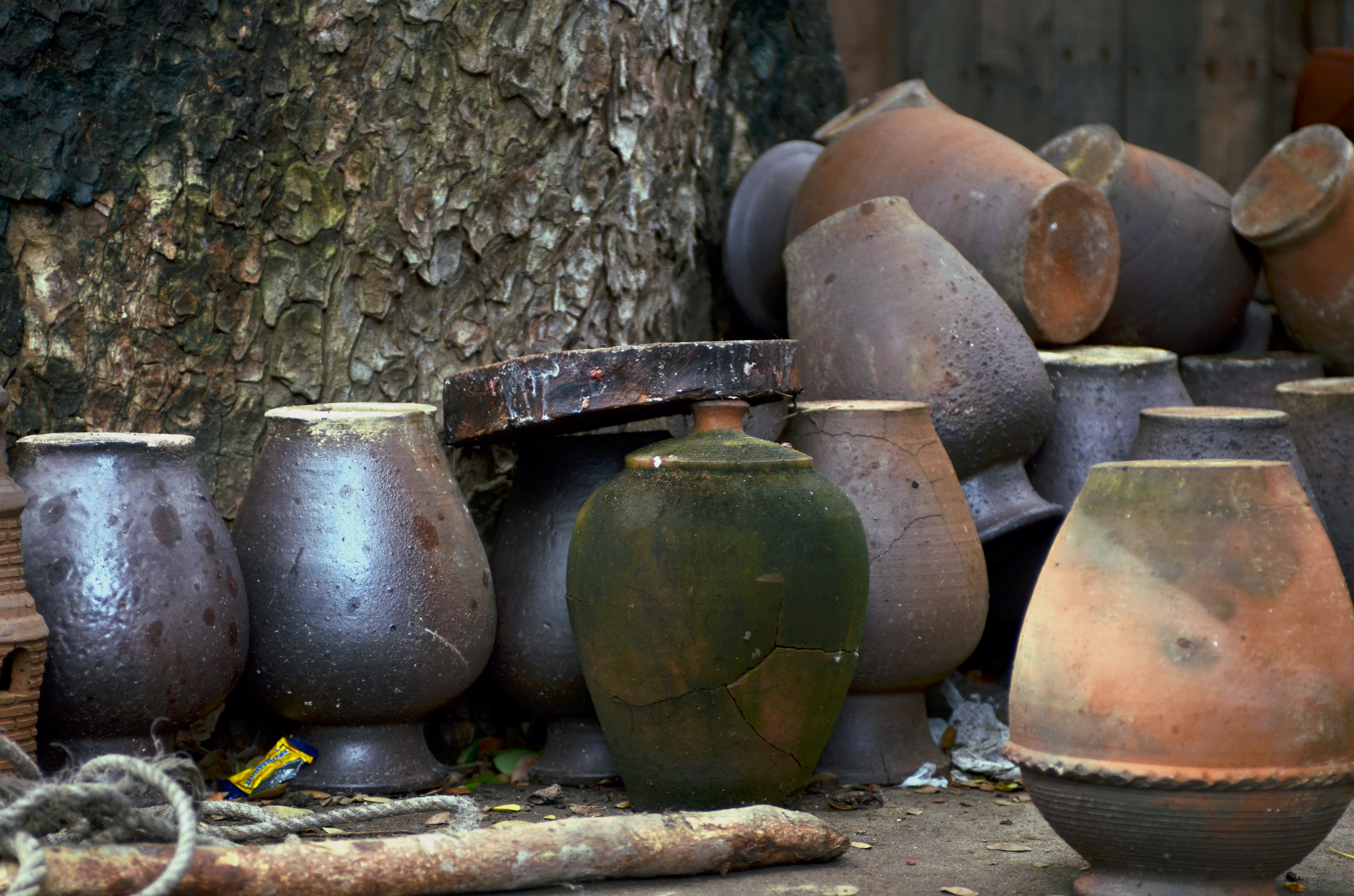 Ancient stone water jars clipart image freeuse download Philippine ceramics - Wikipedia image freeuse download