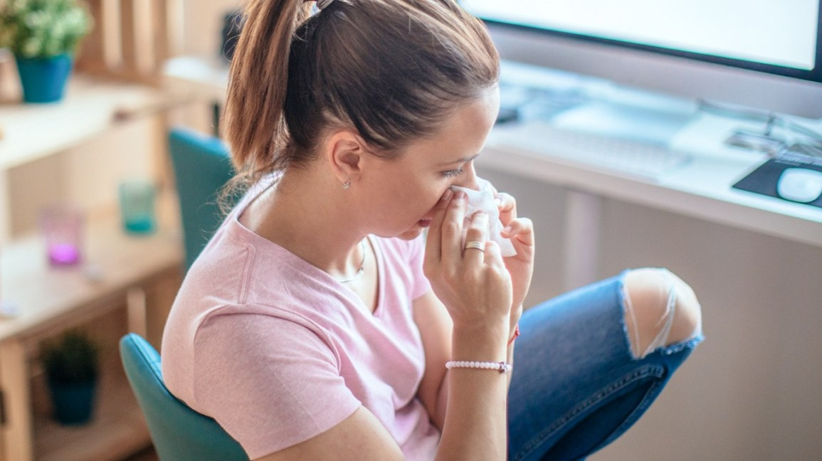 Asking a sick person whats wrong clipart freeuse stock First Signs of the Flu: What to Do If You Get Sick freeuse stock