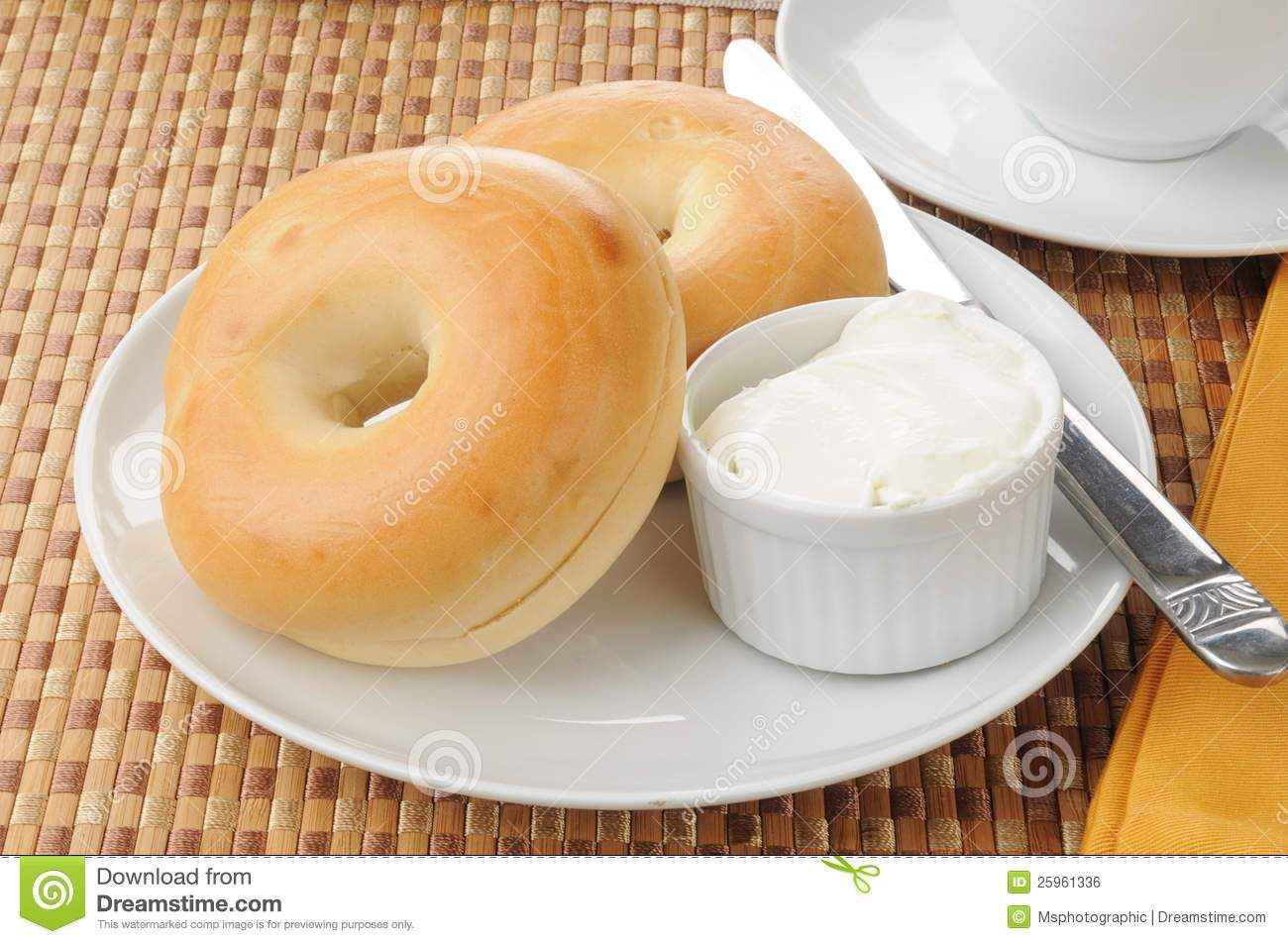 Bagel with cream cheese clipart clip art royalty free stock Bagel and cream cheese clipart 4 » Clipart Portal clip art royalty free stock