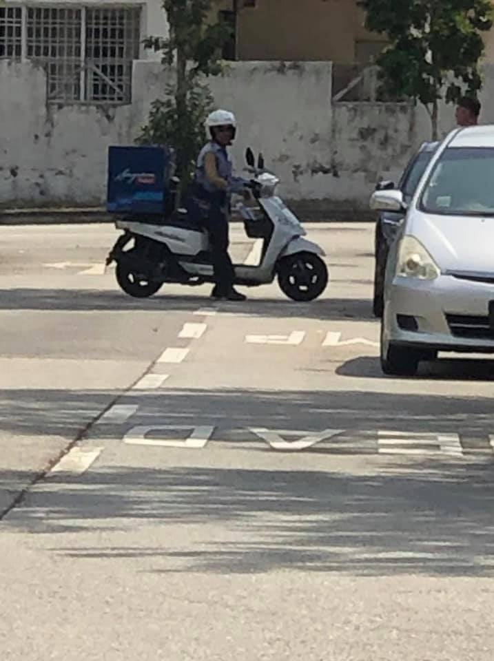 Belly board scooter clipart clipart stock SingPost postman bitten by dog in Simei, continues delivering mail ... clipart stock