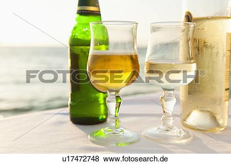 Bier und wein clipart clipart free stock Bilder - griechenland, cyclades inseln, mykonos, bier, und, wein ... clipart free stock
