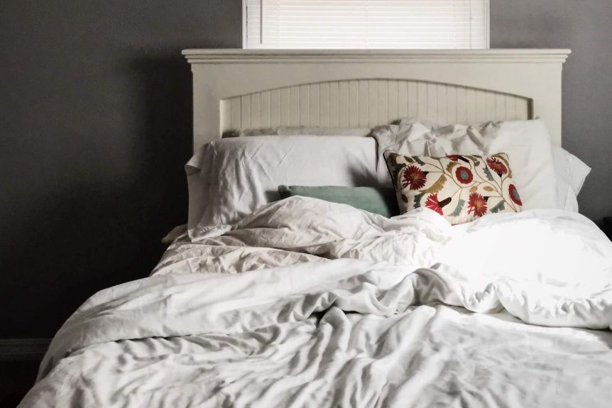 Change bed sheets clipart picture free download How often you should change bed sheets to avoid bugs and mould - ABC ... picture free download