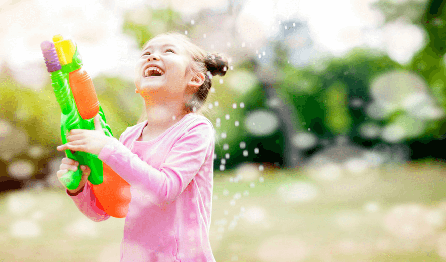 Children playing with bubbles and sidewalk chalk clipart graphic black and white stock The Best Outdoor Water Activities to Keep Your Kids Cool This Summer ... graphic black and white stock