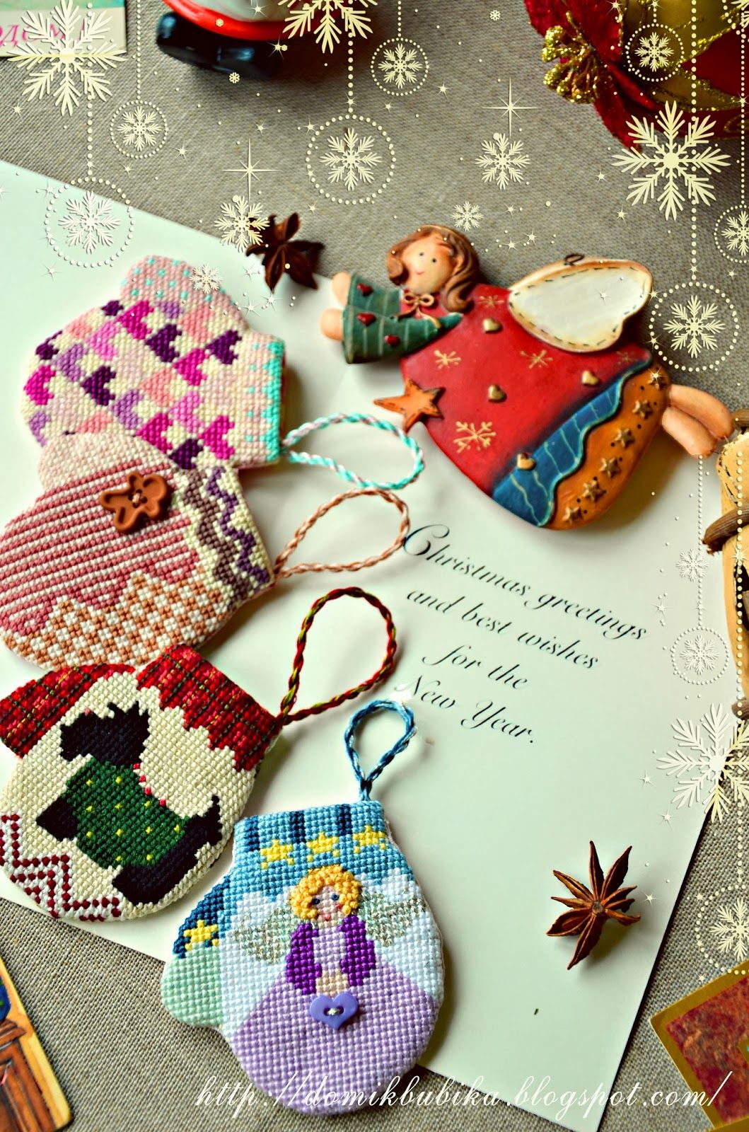 Christmas clipart stich graphic royalty free download Варежки-4/ Mittens-4   Christmas Cross Stitch   Cross Stitch ... graphic royalty free download
