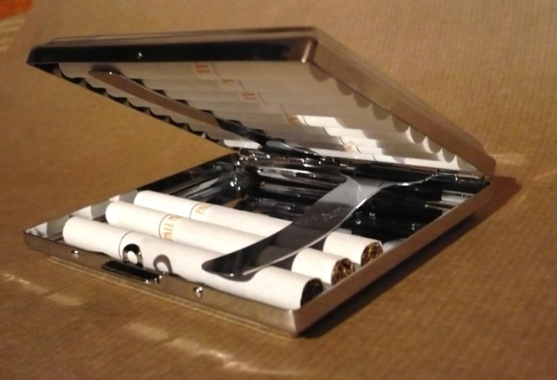 Cigarette case image black and white download Cigarette case - Wikipedia image black and white download