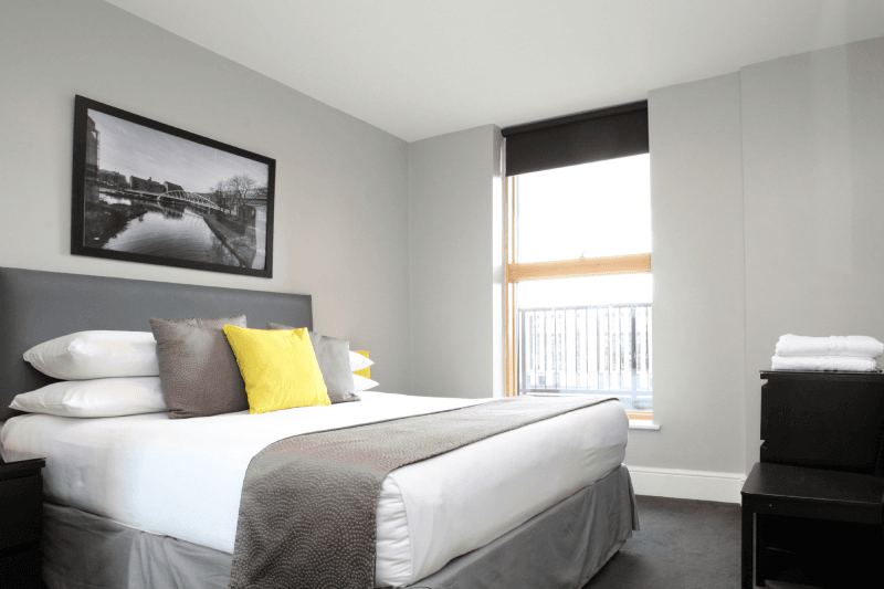 Clipart bedroom in city at night vector free stock The City Warehouse Aparthotel - Serviced Apartment in Manchester ... vector free stock