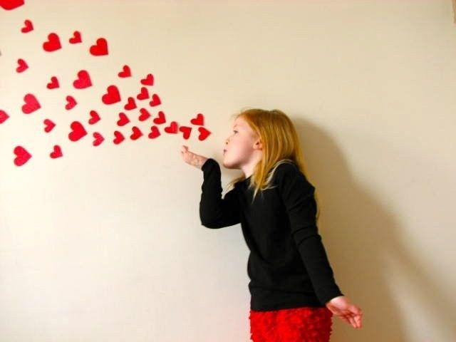 Clipart girl blowing hearts valentine jpg 17 Best ideas about Blowing Kisses on Pinterest | Valentine party ... jpg