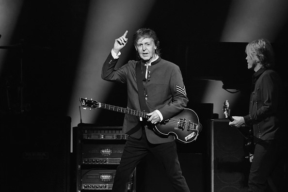Clipart of lambeau field black and white paul mccartney picture freeuse download Paul McCartney To Play At Lambeau Field In 2019 picture freeuse download