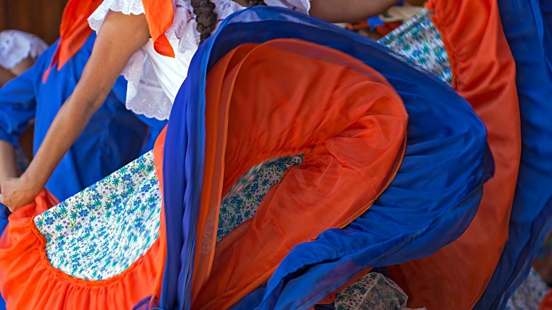 Colombia trajes tipicos clipart graphic download Los trajes típicos de Costa Rica por provincias: fotos e información graphic download