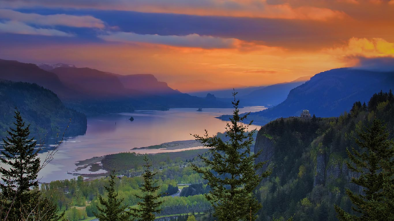 Crown point png freeuse Crown Point at Columbia River Gorge, Oregon (© JPL Designs ... png freeuse