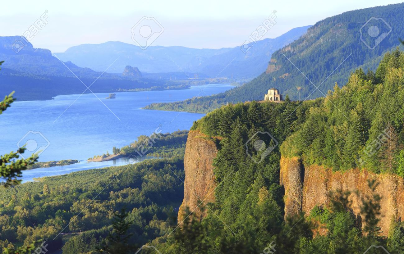 Columbia river gorge oregon. Crown point