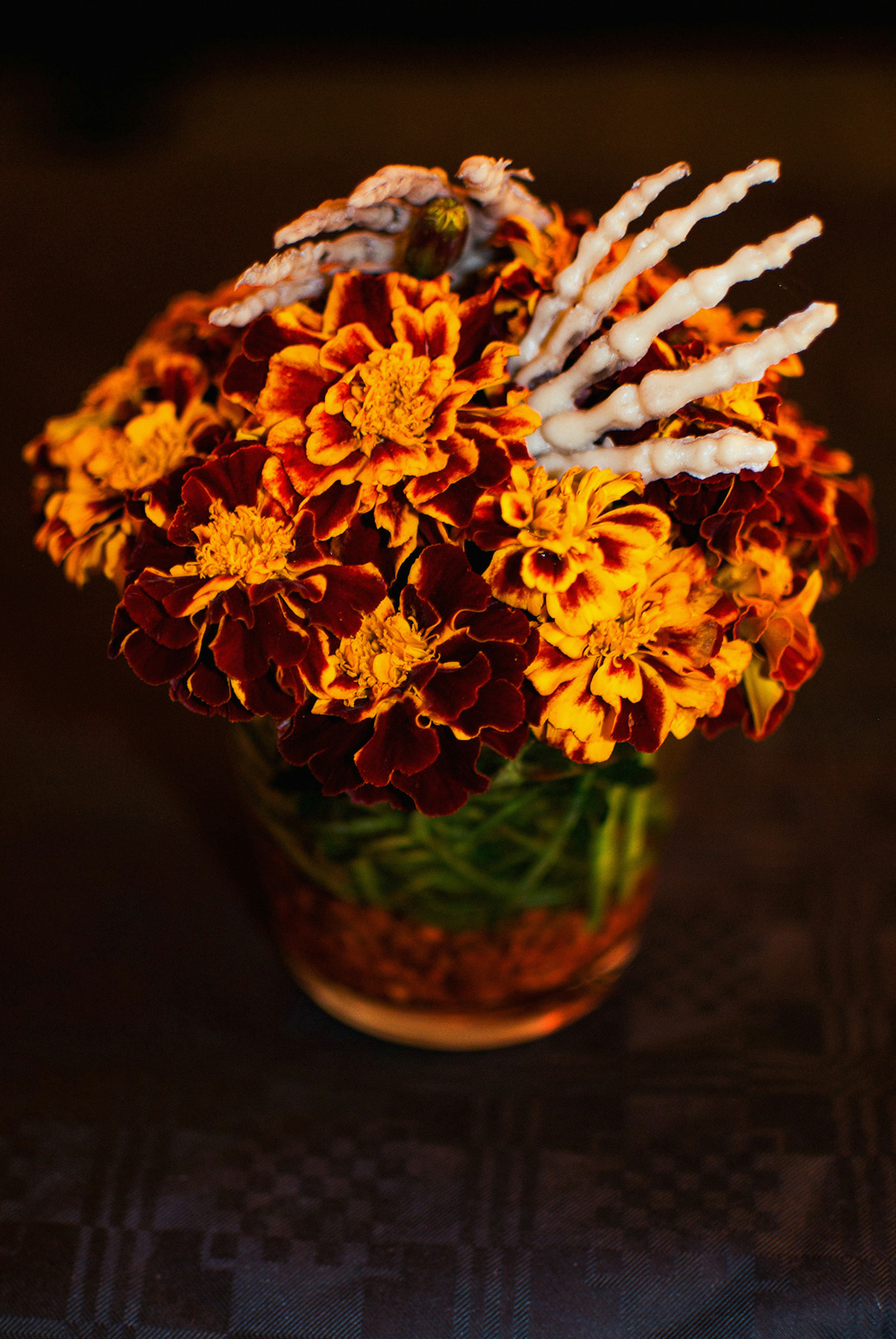 Eerily clipart picture library download Eerily Beautiful Halloween Flowers Decolicious for Halloween Flowers ... picture library download