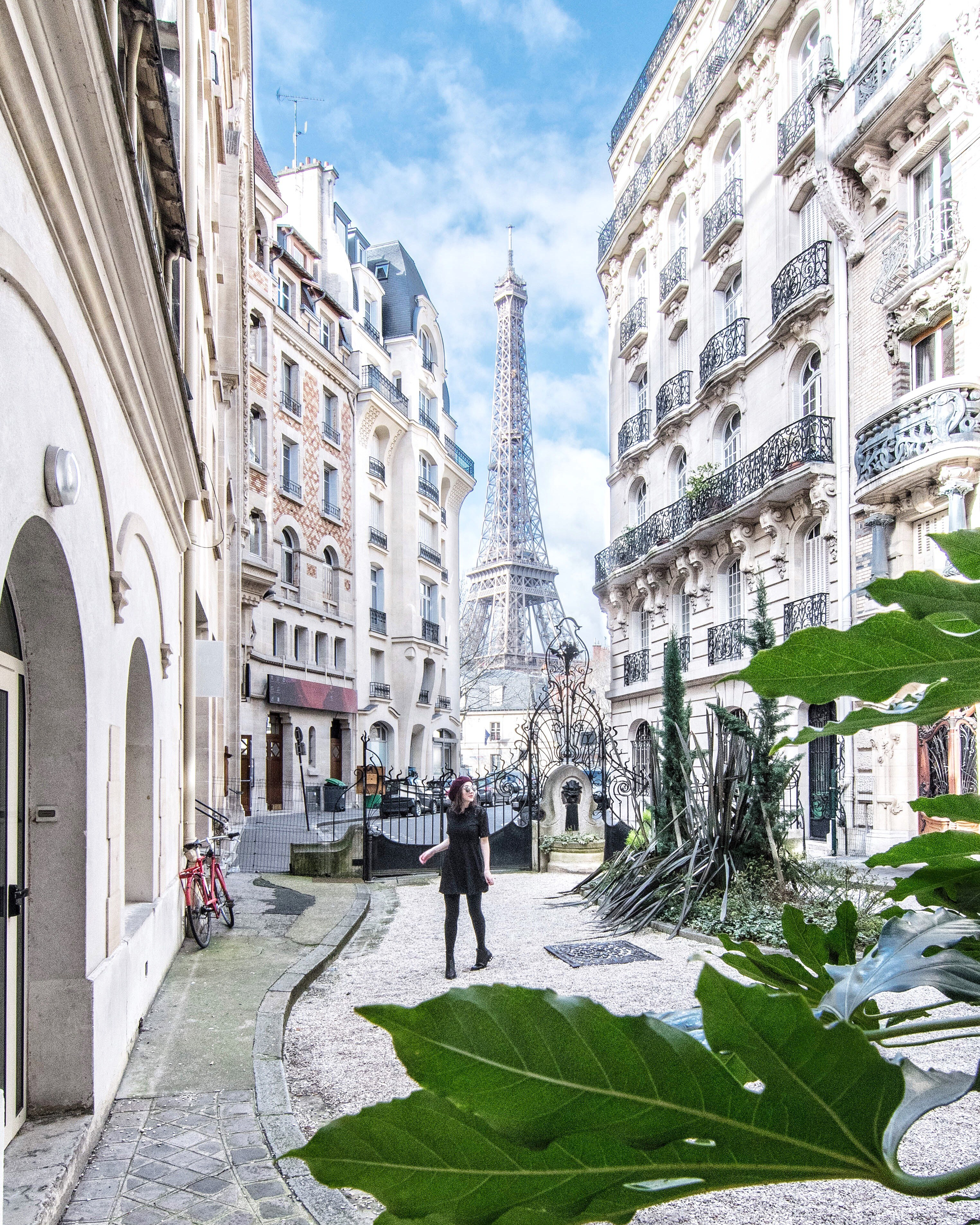 Eiffel tower with cafe in front clipart clip freeuse library THE MOST PHOTO WORTHY SPOTS IN PARIS - Gringa Journeys clip freeuse library