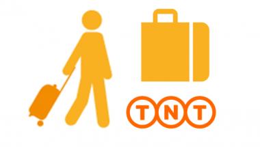 Elle fait enregistrer ses bagages dans un aeroport clipart clip Services pour votre visite clip