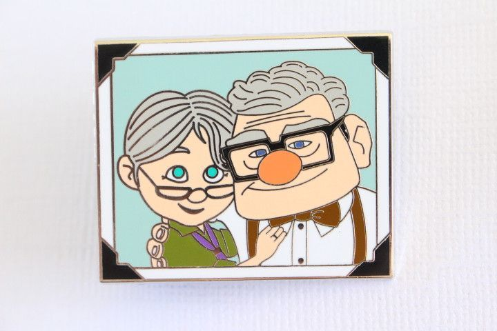 Ellie clipart clipart freeuse download Carl and Ellie - Growing Old Together | SVG Files | Disney pins ... clipart freeuse download