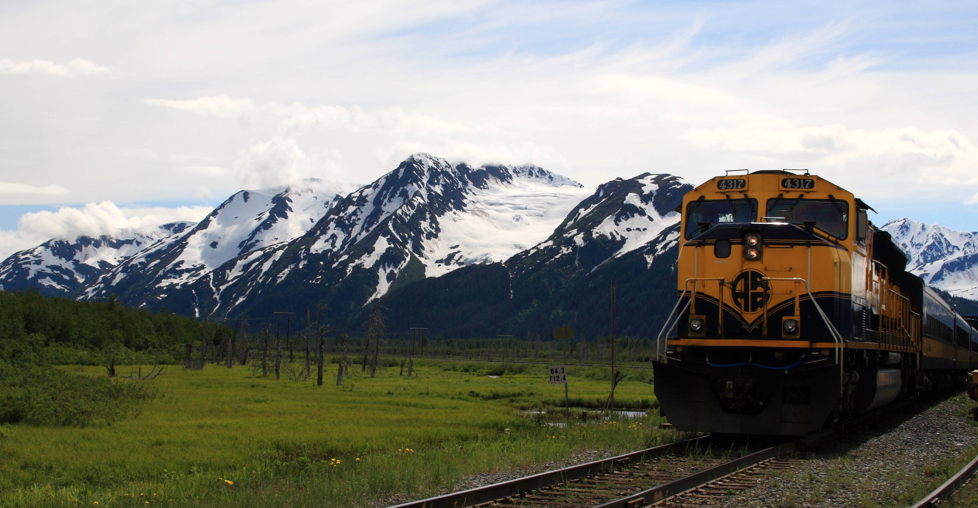 Free clipart rail barge transport jpg black and white download Alaska Railroad - Wikipedia jpg black and white download