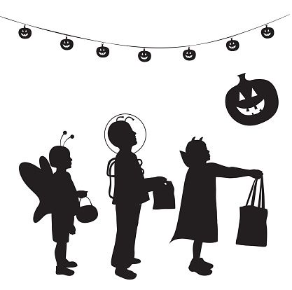Halloween kids trick or treat free clipart clip royalty free library Trick Or Treat Clip Art, Vector Images & Illustrations - iStock ... clip royalty free library
