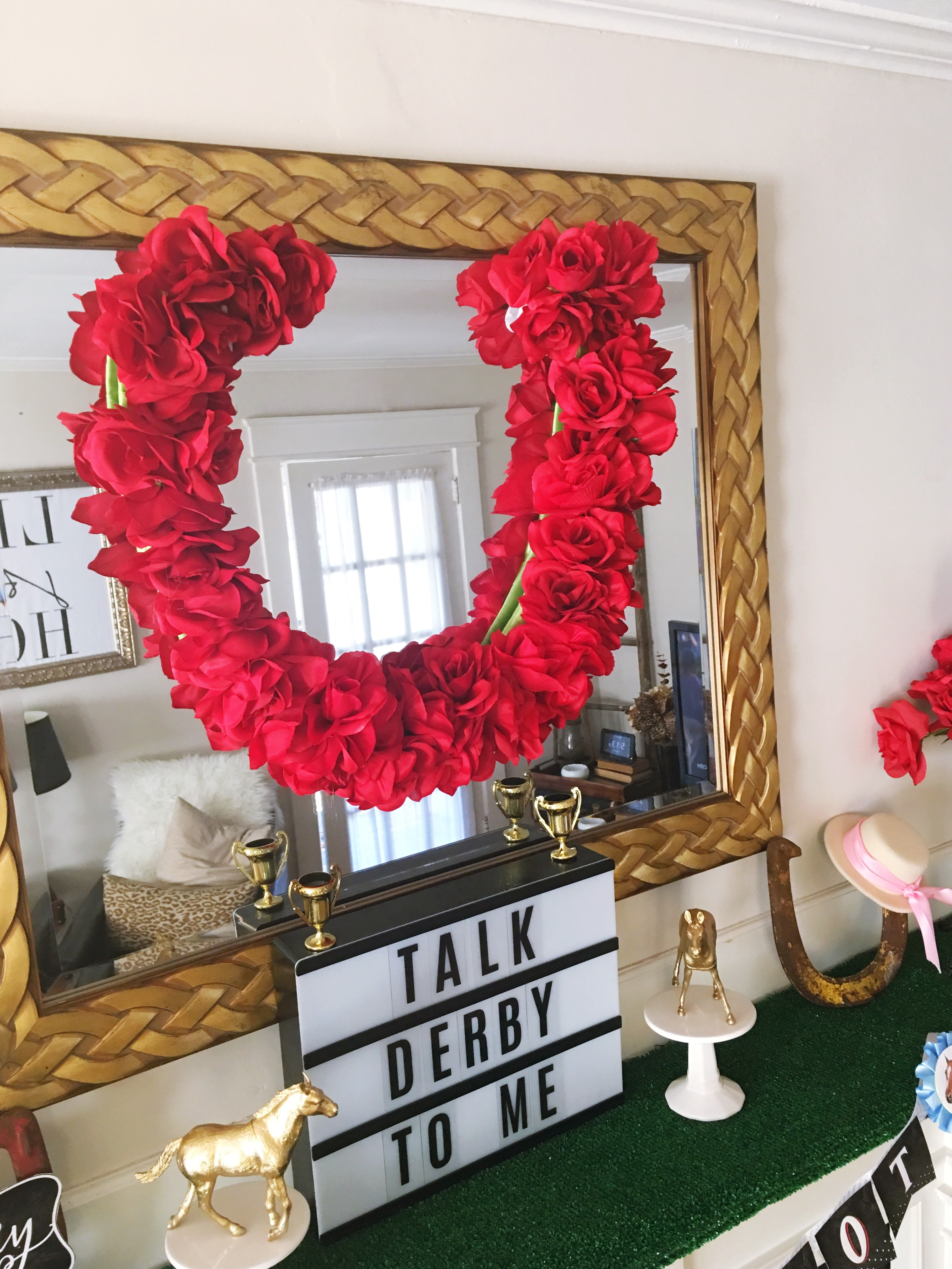 Horseshoe with roses ky derby bow tie clipart banner library stock Styling Harvard: Tips for Hosting a Kentucky Derby Party ... banner library stock