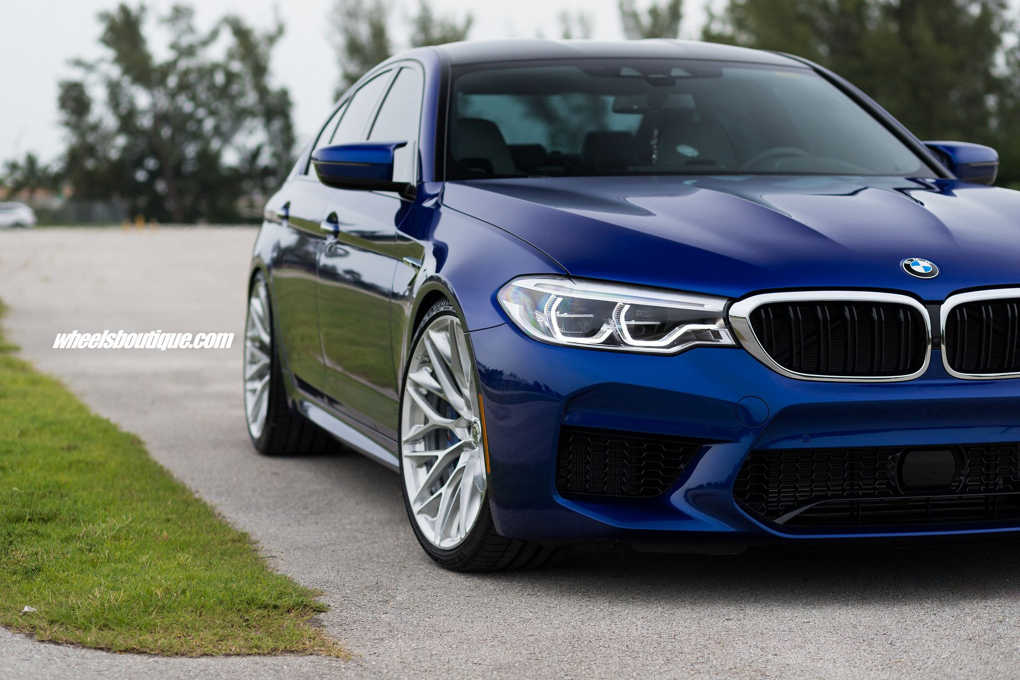 Hre wheels clipart clip art free stock Frozen Marina Bay Blue BMW F90 M5 With HRE Wheels   Cars ... clip art free stock