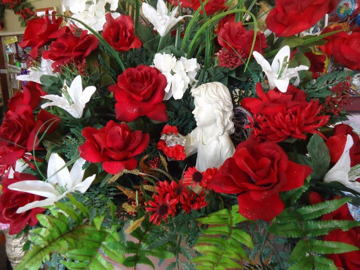 Images of christmas flowers banner royalty free stock Creative Flower Shops And Their Latest Christmas Floral Designs banner royalty free stock