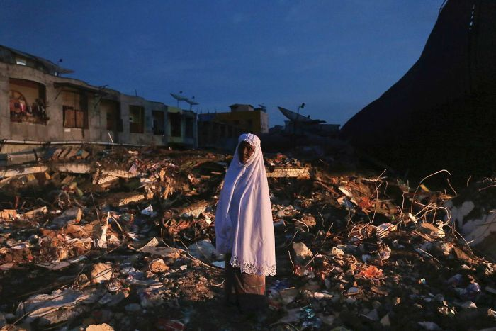 Indonesia earthquake picture black and white stock Indonesia earthquake: Thousands left homeless in Aceh province ... picture black and white stock