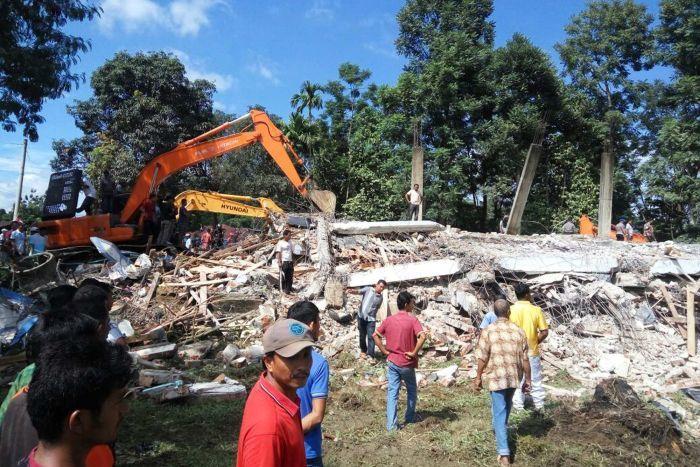 Indonesia earthquake image black and white library Magnitude-6.5 earthquake hits Indonesia's Aceh province killing ... image black and white library