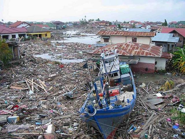 Indonesia tsunami jpg transparent Indonesia Tsunami Disaster Remembered 10 Years Later jpg transparent