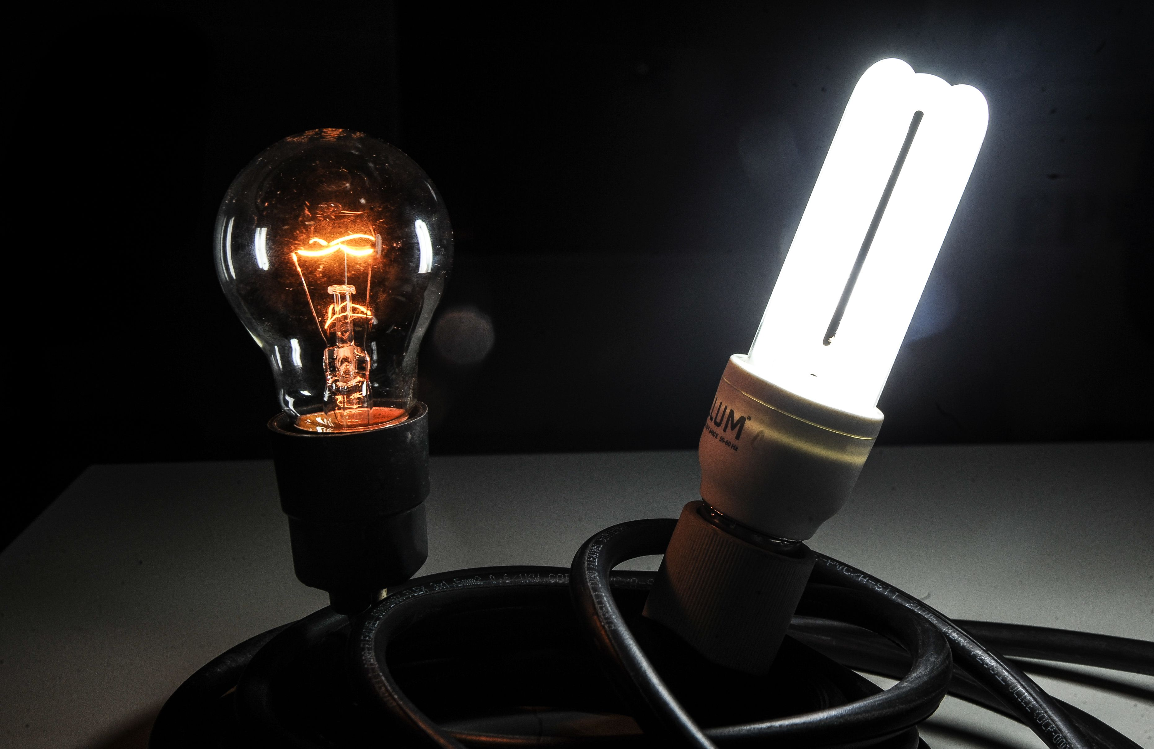 Light bulb battery clipart picture library Electric light - Wikipedia picture library