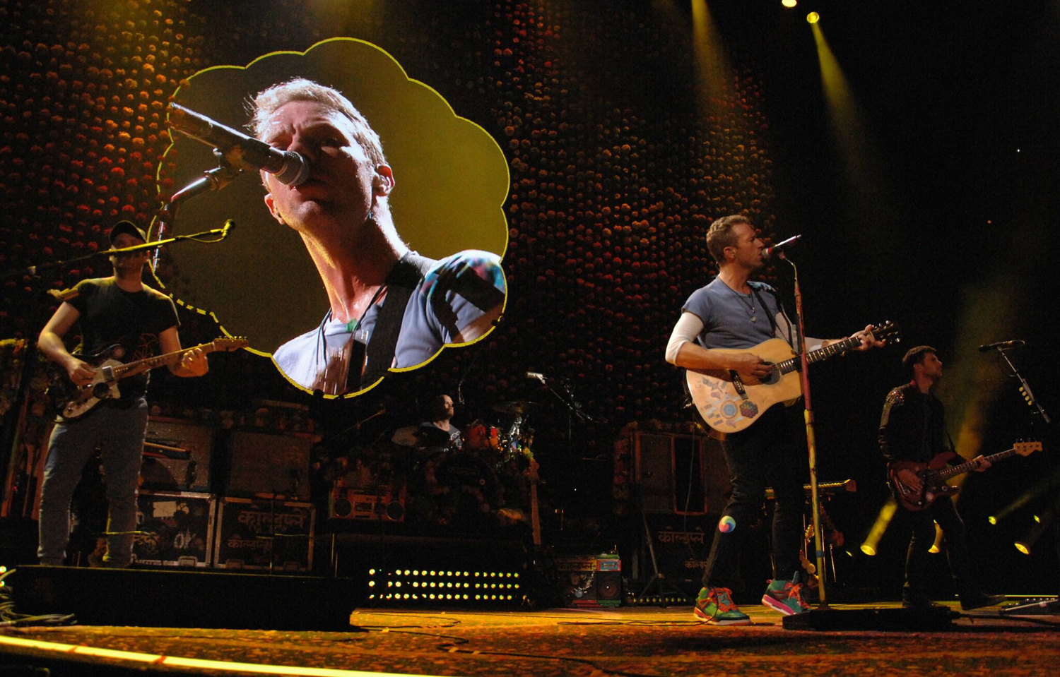 Man singing in a concert grandstand alone clipart clip free stock Coldplay Visits First Niagara Center: A Head Full of Dreams, A Dream ... clip free stock