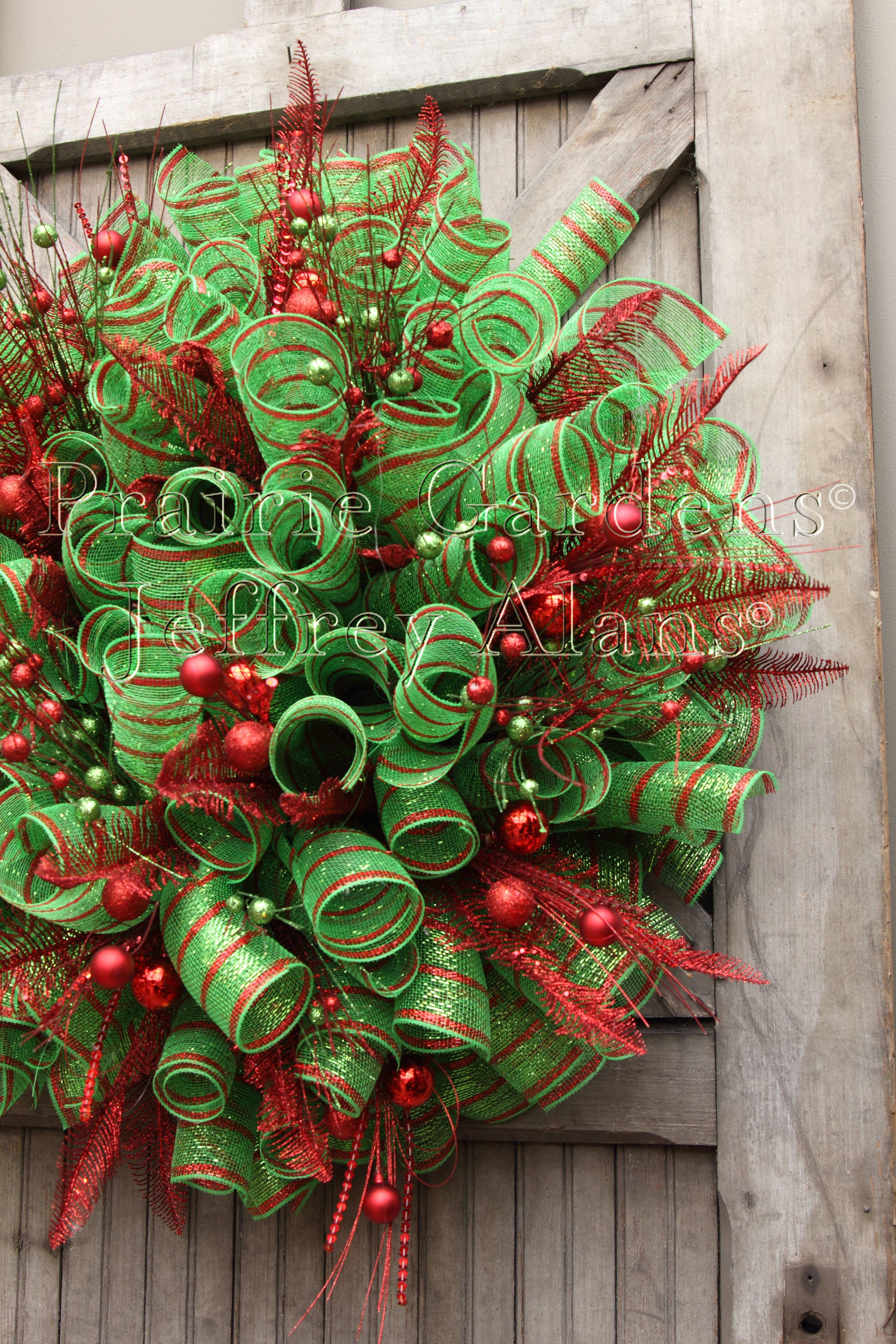 Mesh holiday wreath clipart svg freeuse library Cool tutorial on how to make a dotting tool | wreaths ... svg freeuse library