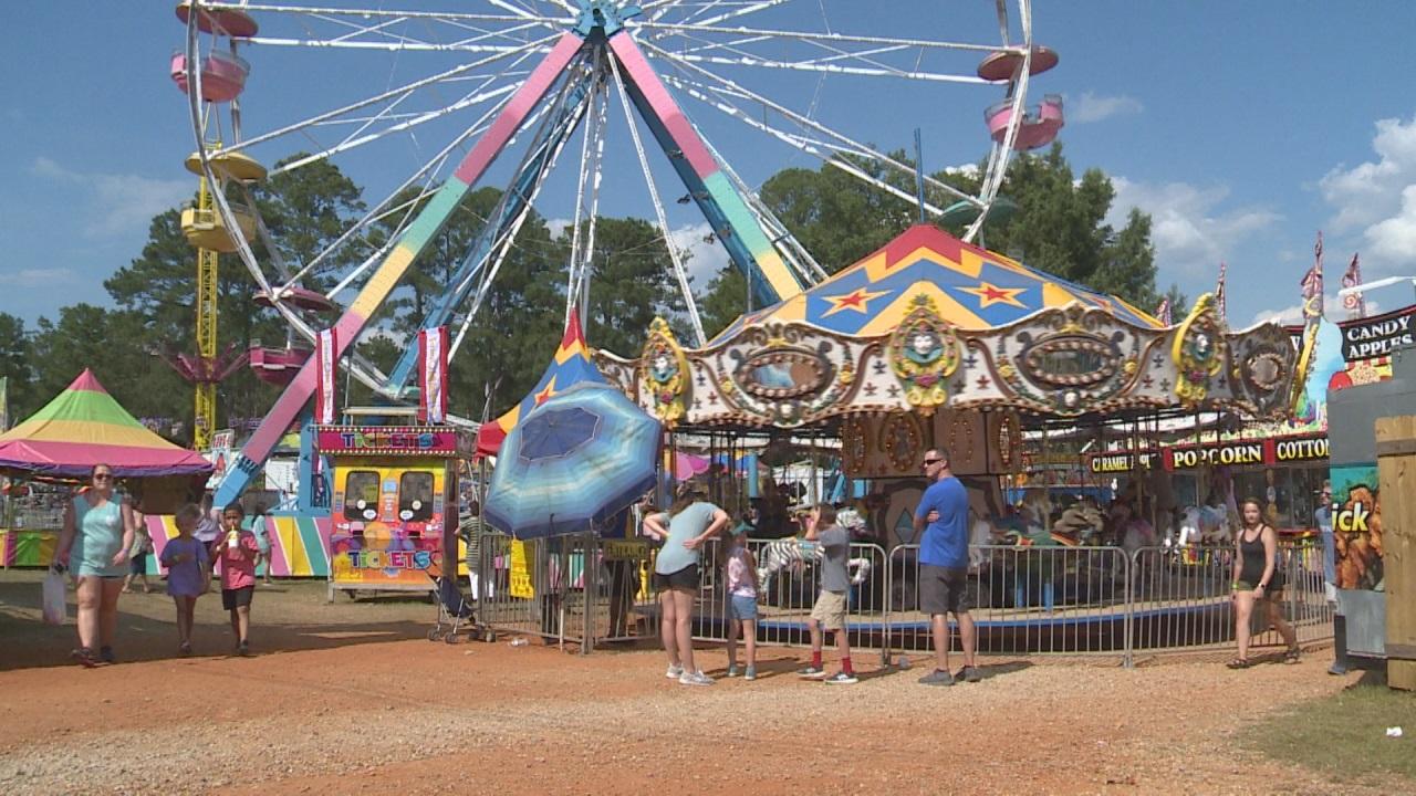 Neshoba county fair clipart image freeuse library The Neshoba County Fair is in full swing – American Digest image freeuse library