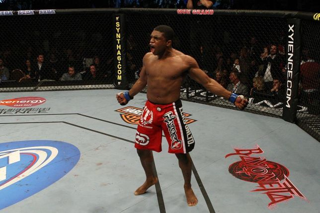 Paul daley clipart graphic free stock Video: British rivals Michael Page and Paul Daley spark ... graphic free stock