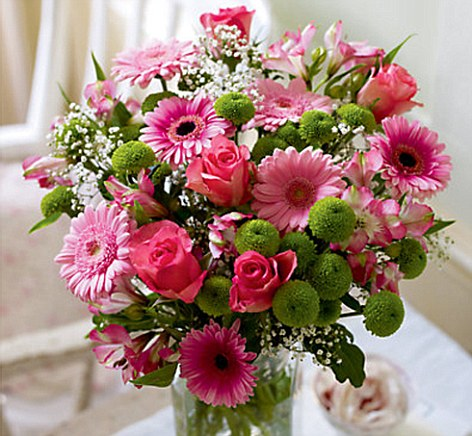 Picture of a big bunch of flowers clipart free library Interflora flops in battle of the Mother's Day bouquets | Daily ... clipart free library