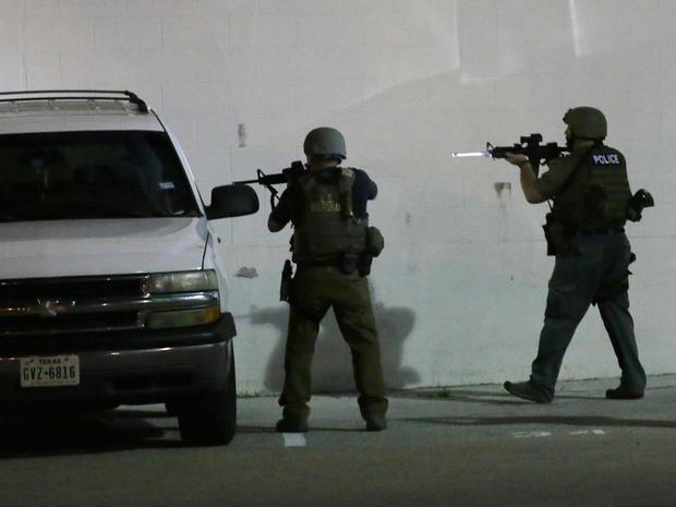 Police shooting vector library library Dallas police attacked - Dallas shooting: Police officers killed ... vector library library