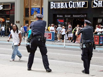Police shooting vector freeuse Times Square Shooting: Why Police Shoot To Kill - Business Insider vector freeuse