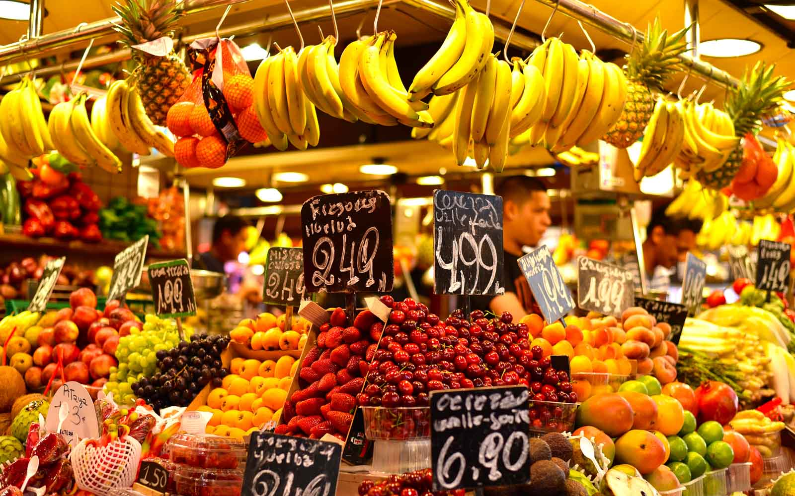 Purchase food in the market clipart clip La Boqueria Market 2019 – Where to Eat and What to Buy clip