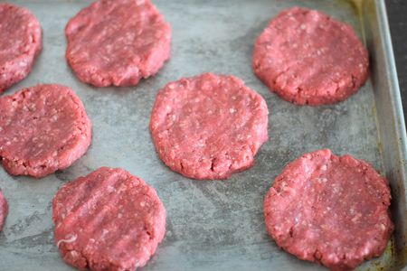 Raw hamburger patty clipart picture library How to Make Perfect Hamburger Patties picture library