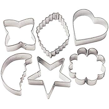 Round biscuit cutters clipart clipart free stock Wilton Metal Cookie Cutters - Classic Shapes clipart free stock