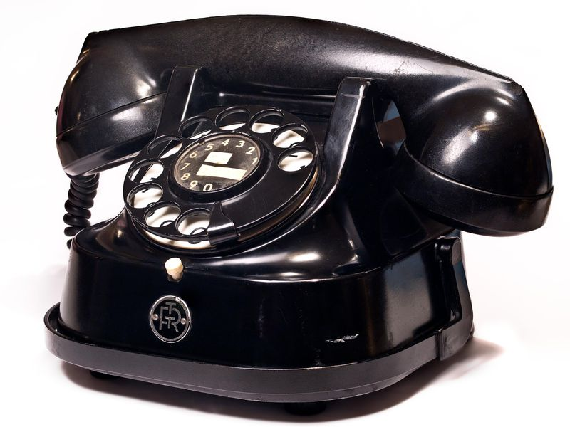 Saved by the bell cell phone clipart picture black and white download The First Telephone Book Had Fifty Listings and No Numbers ... picture black and white download