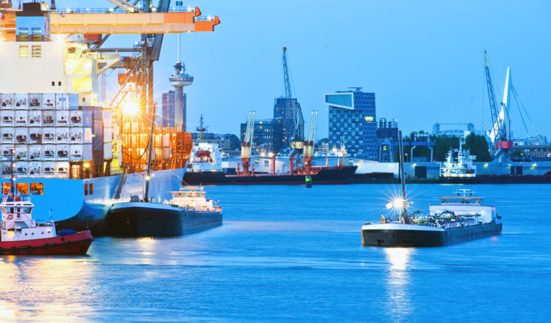 Seaport clipart jpg freeuse Port of Rotterdam May Start Ship-to-Ship LNG Bunkering in ... jpg freeuse