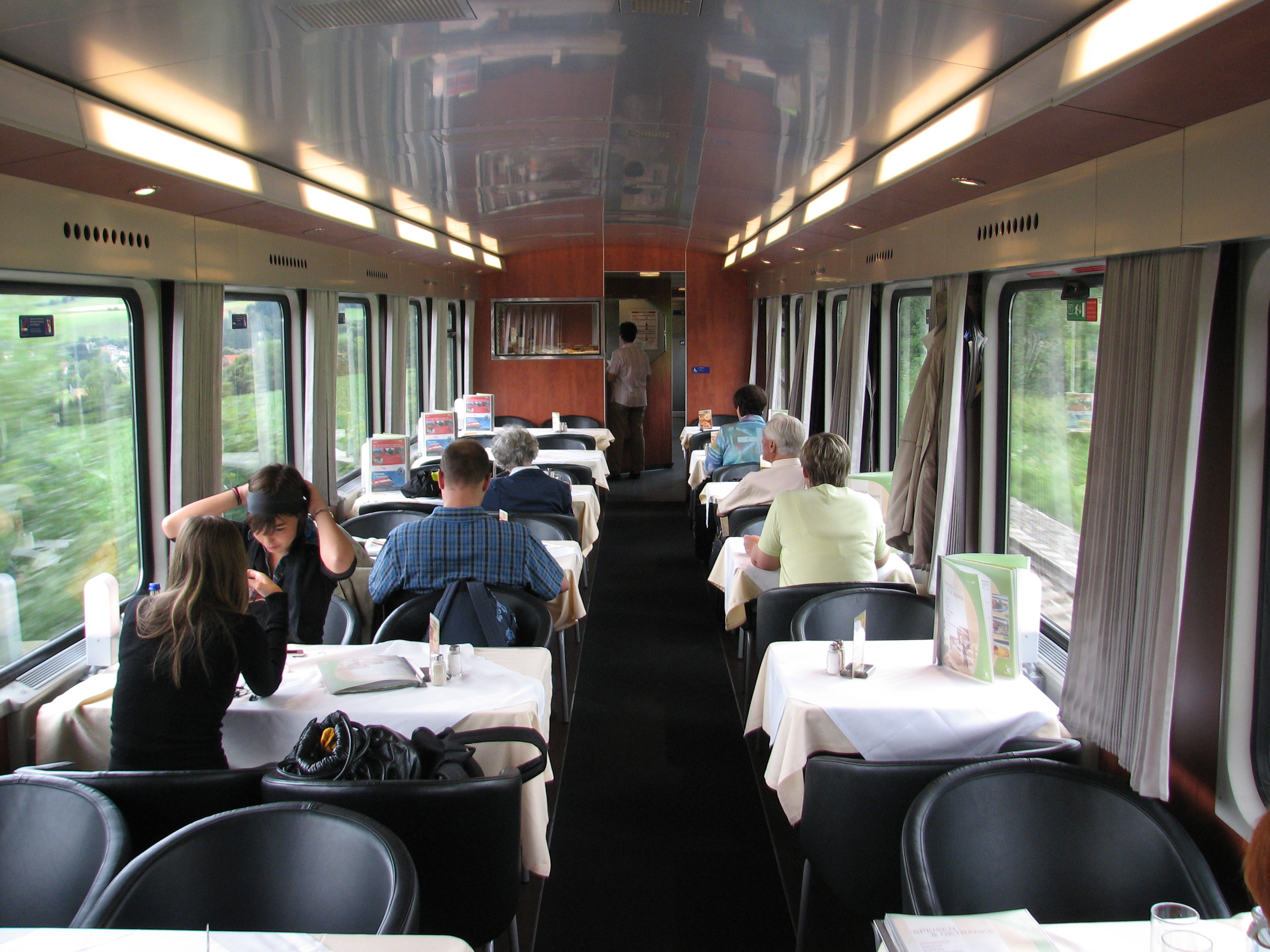 Train of in distance clipart clip freeuse library Dining car - Wikipedia clip freeuse library