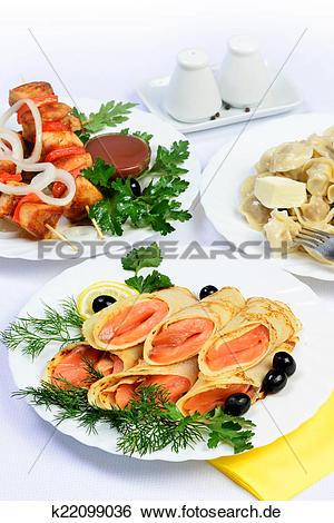 Tisch mit essen clipart clip download Stock Bilder - weiß, tisch, mit, essen, von, fleisch, lachs ... clip download