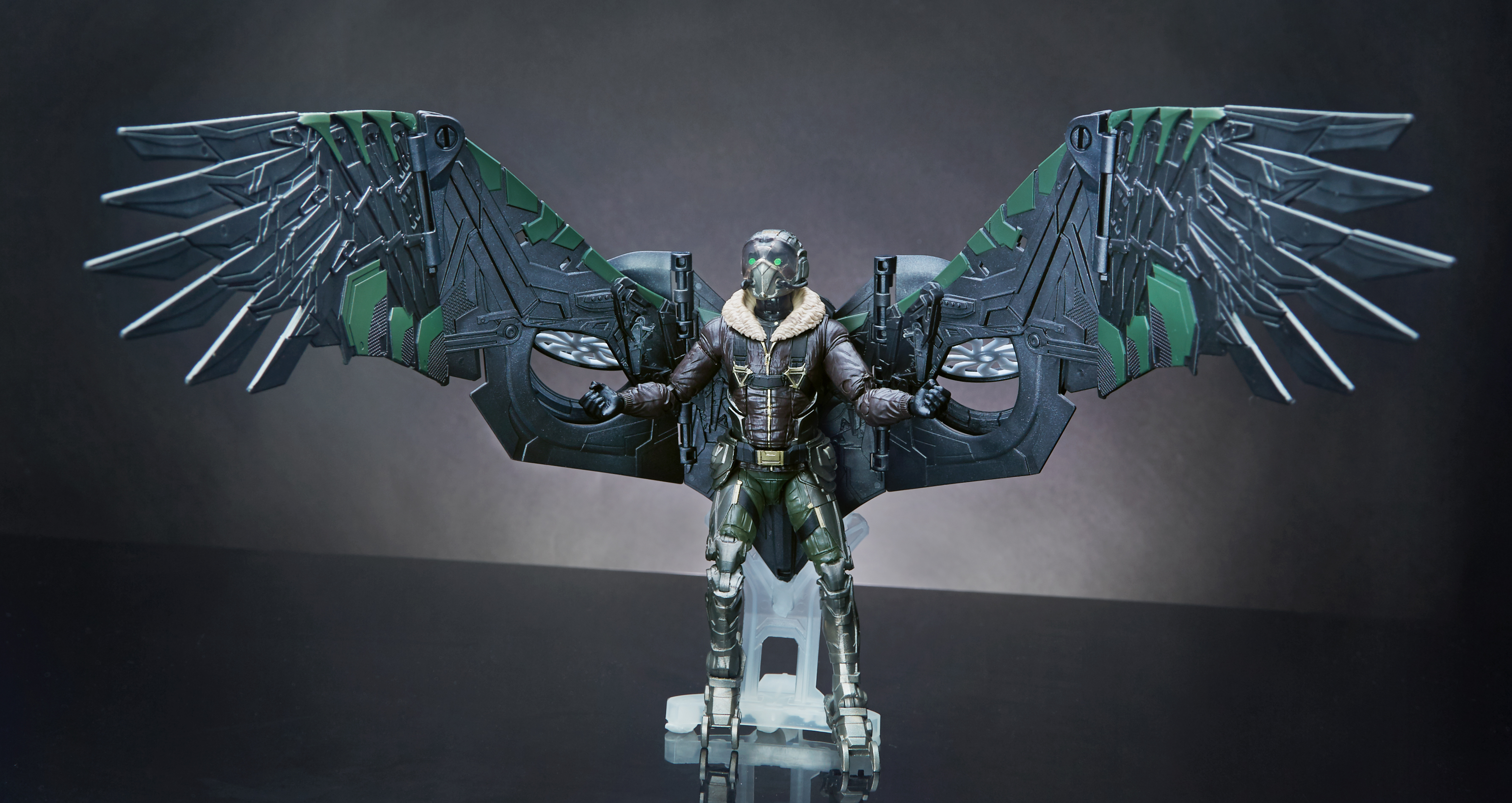 Vulture marvel clip art Homecoming' Trailer and Marvel Toys Hone in on Vulture's Tech ... clip art