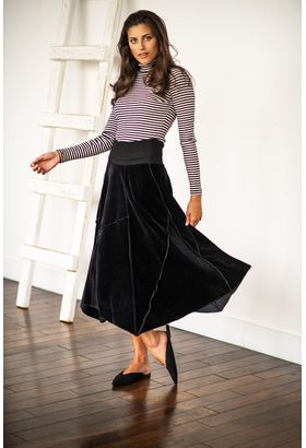 Woman in modest skirt clipart clipart free library Modest Clothing, Modest Fashion & Modest Dresses   Modestiq clipart free library