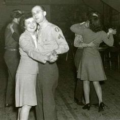 Ww2 era uso dance clipart picture black and white stock 358 Best World War II Couples images in 2018 | Vintage love ... picture black and white stock