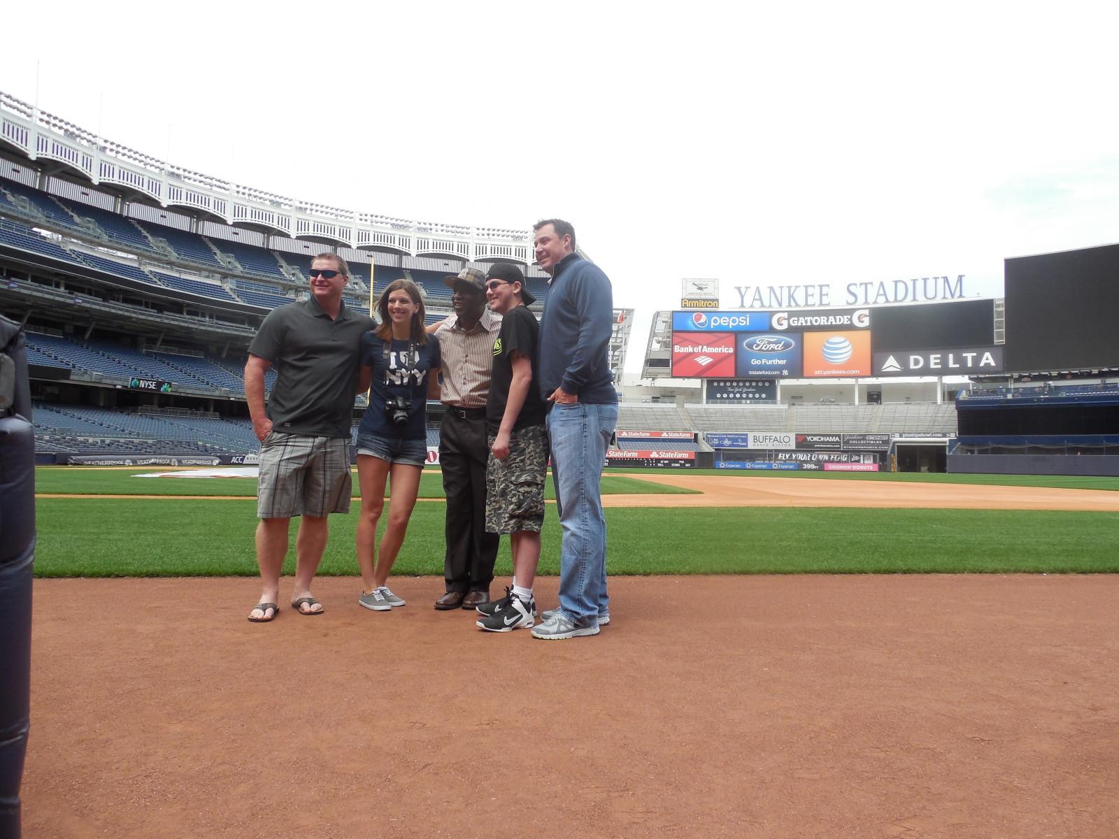 Yankee stadium digital clipart clip art transparent Yankee Stadium Suite Games and Tours with Yankee Legends clip art transparent